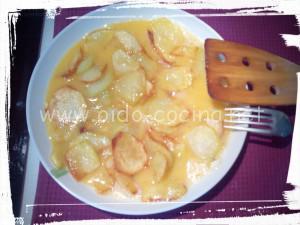 Mezcla huevos y patatas